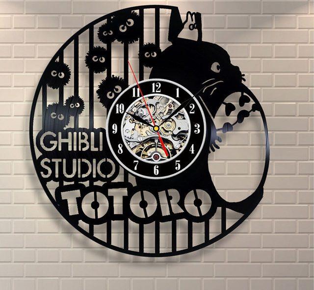 Studio-Ghibli-Totoro-Plush-Exclusive-wall-clock-made-of-vinyl-record-saat